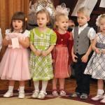 Группа Колокольчик. Дети исполняют песню
